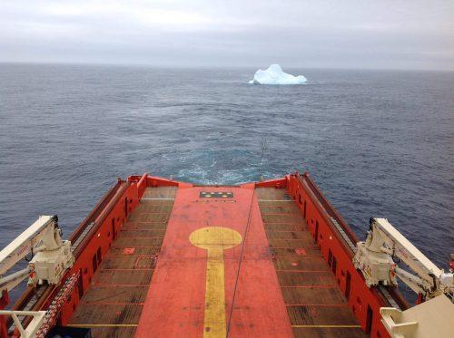 Iceberg tow